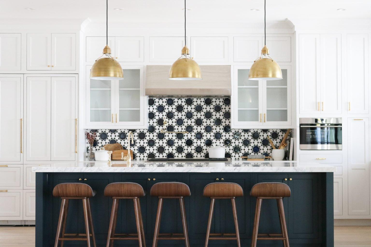 Open & Airy California Kitchen